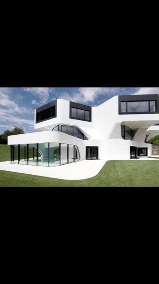 Arquitecto realiza estudios, proyectos