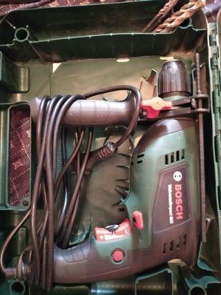 taladro percutor Bosch muy potente 800w