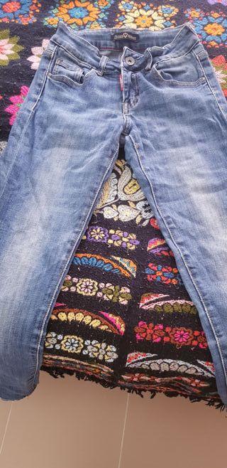 pantalon vaquero de moda pitillo