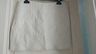 Mini falda blanca con perlitas STR