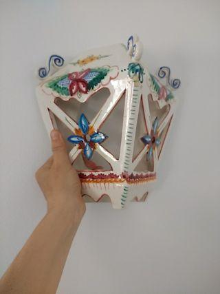 Precioso aplique de cerámica