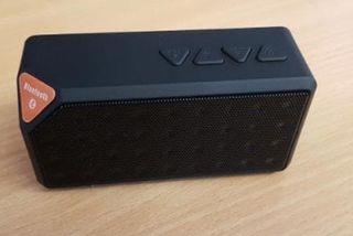 NUEVO - Altavoz portátil Bluetooth (varios)