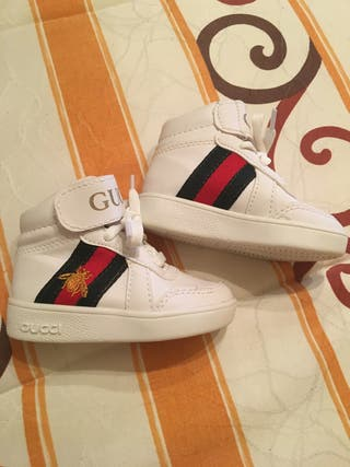Zapatillas Gucci tipo botita número 22