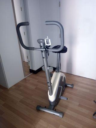 Bicicleta estática Decathlon Domyos VM130