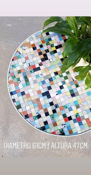 Mesa con mosaico de gresite Ø61cm. Vintage, 60.