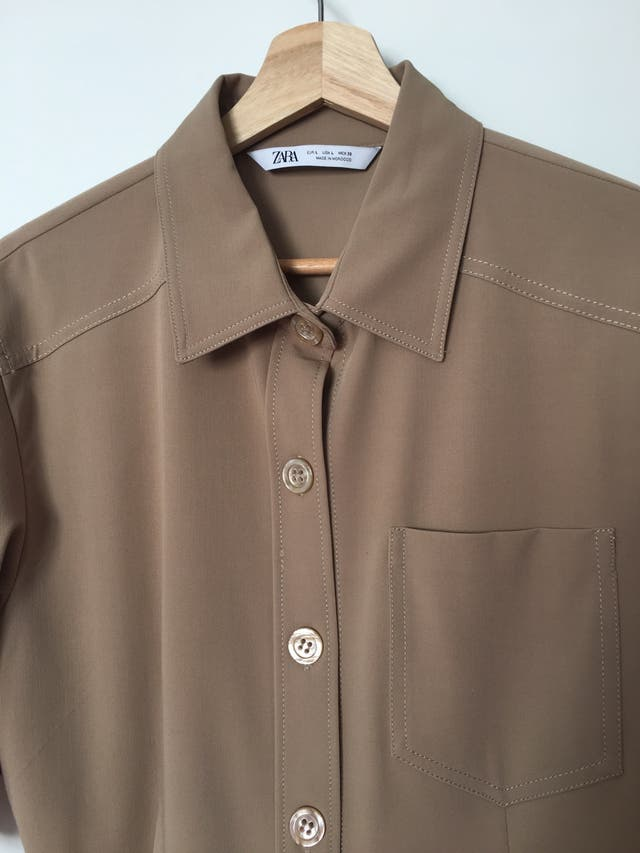 Camisa color marroncito claro