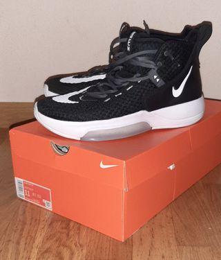 Zapatillas Nike Zoom Rize talla45