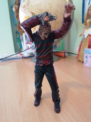 muñeco de coleccion Fredy krueger