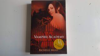 Libro vampire academy de Richelle Mead