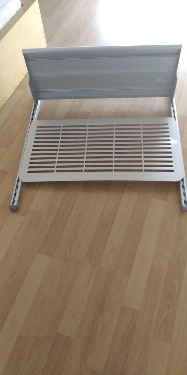 estantería de colgar de aluminio del Ikea