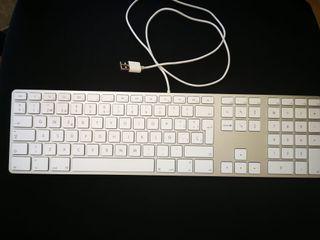 Teclado Apple español con cable USB