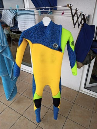 traje de surf