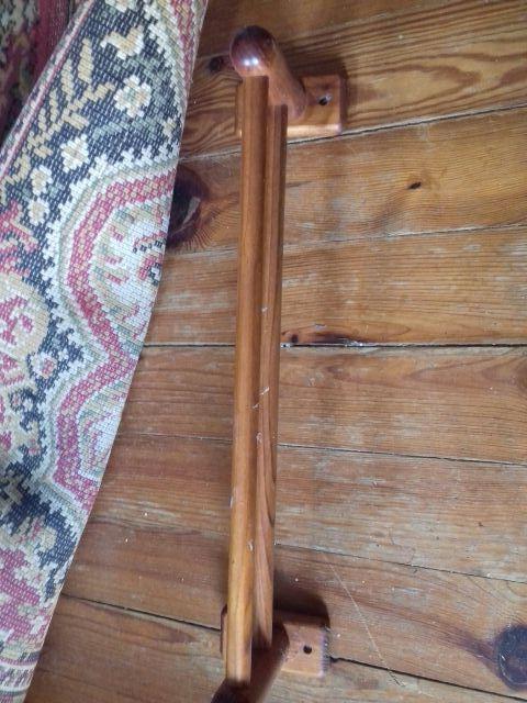 toallero de madera (abrir foto)