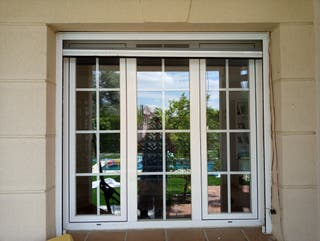 ventana aluminio blanca