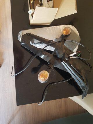 portamatricula trasero i espejos retrovisores
