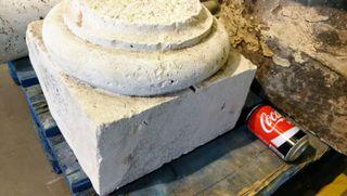 capitel de columna antiguo piedra caliza