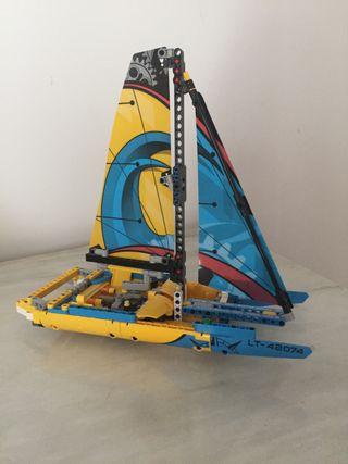 Lego technic barco