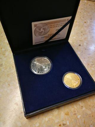 Estuche monedas de oro y plata