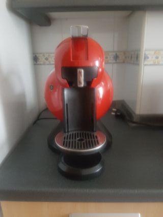 Cafetera cápsulas dolce