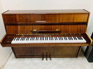 PIANO ACÚSTICO OFFBERG