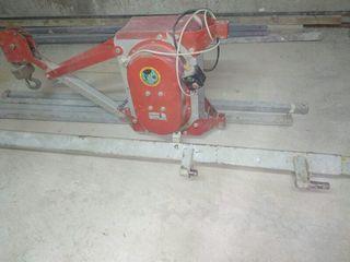 MONTACARGAS-ELEVADOR de 300 kg
