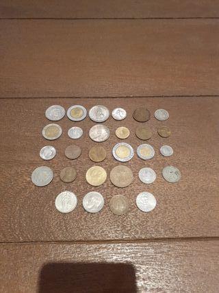 Lote 28 monedas mundiales