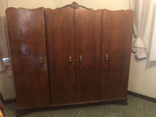 Armario madera antiguo