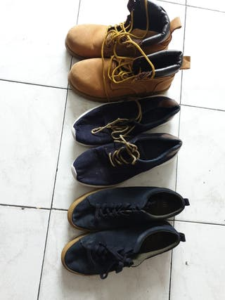 lote de tres zapatos de chico