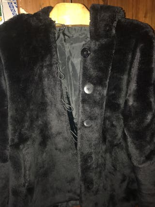 Chaquetón peluche con capucha