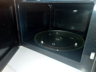 Un Micro-onde combiné d'une capaciter de 28L avec