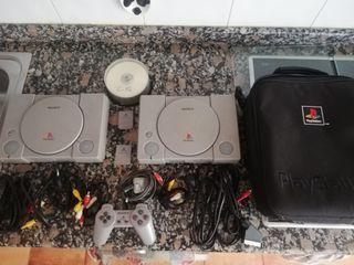 se vende 2 PS1 con extras