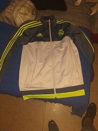 chaqueta oficial del Real Madrid