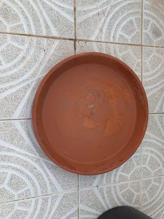 Plato GRANDE de barro para maceta