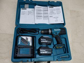 taladro percutor a batería Makita DHP453