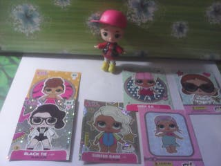 figura muñeca mini lol y cromos