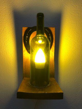 Lámparas y apliques para jardín o interior.