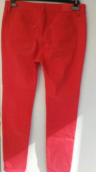 pantalón rojo vaquero.verano