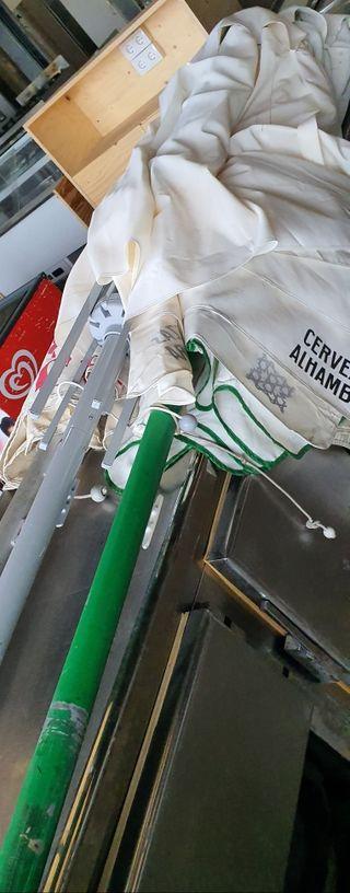 deja wasap 3 parasoles grandes por 150