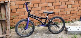 Bicicleta MONTY BMX (ESCUCHO OFERTAS RAZONABLES)