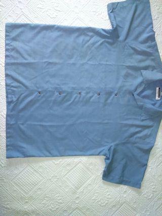 Camisa de manga corta.