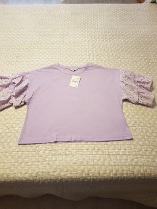 bonita camiseta nueva lila de volantes talla M