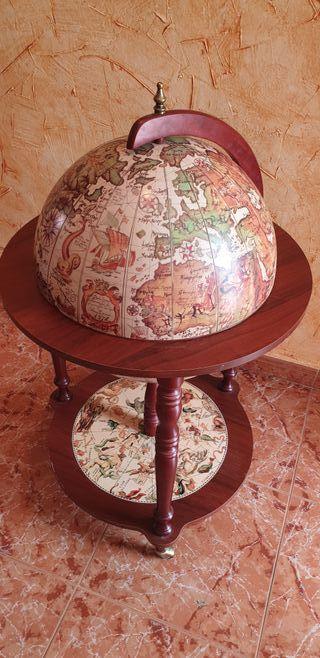 Bola del Mundo, mueble bar