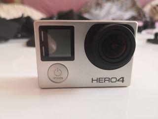 GoPro Hero 4 + Accesorios + 3 baterias