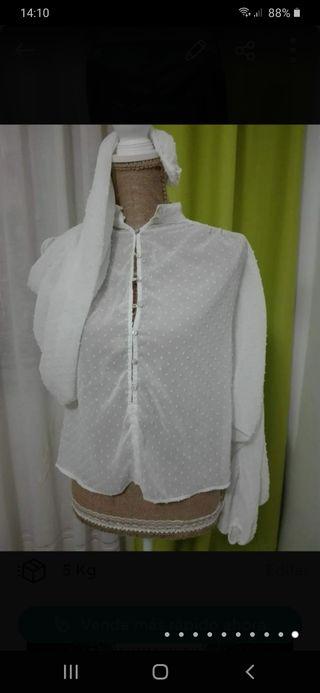 camisa de mangas abullonadas de gasa