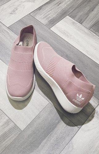Women's Adidas pumps