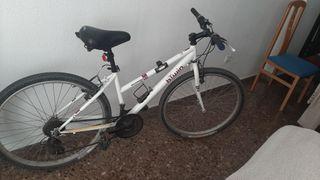 Bicicleta Btwin rockrider 50