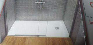 cambiamos si vieja bañera por plato ducha 680€