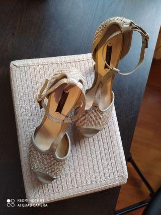 """zapatos tacón semiabiertos """"Zara"""""""