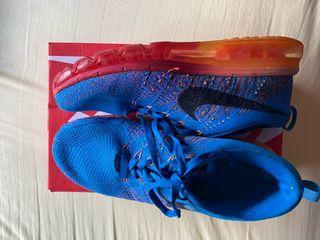 Nike flyknit Max shapphire blue