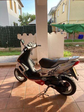 Moto Peugeot de 45cc